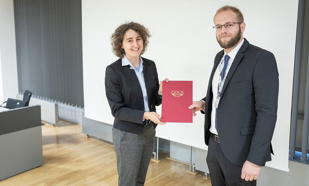 Dennis Quentin awarded by the largest chemical society in Europe